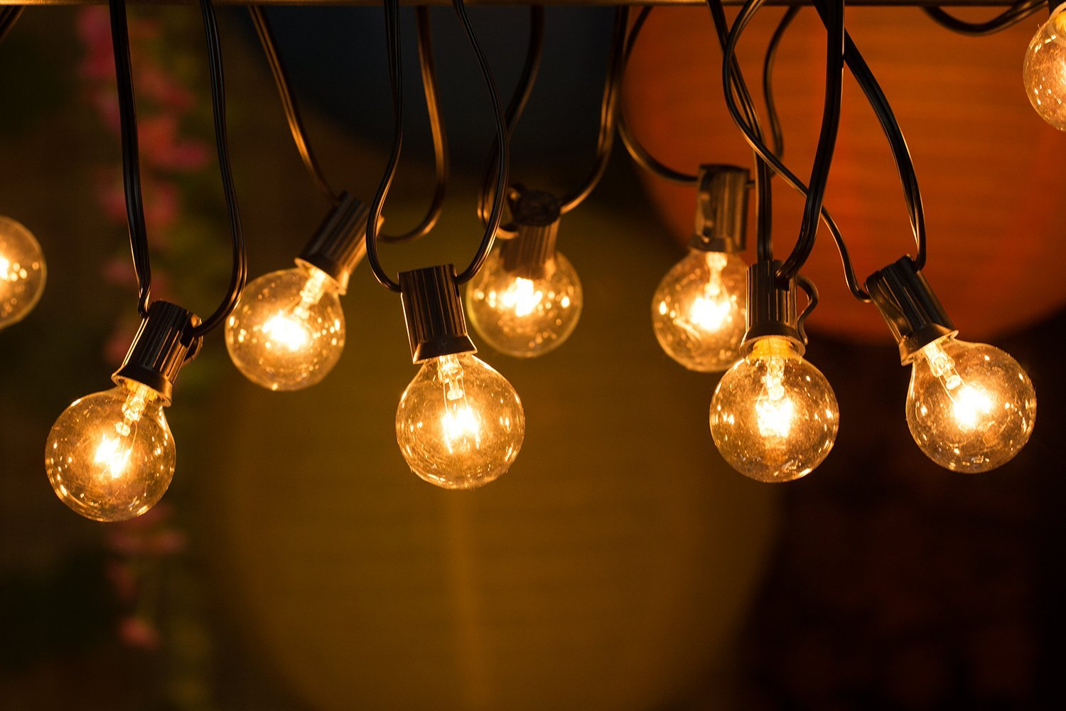 STRING OUTDOOR BULB LIGHTS 7M *R400.00*